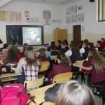 """Program de conştientizare a practicilor discriminatorii, la Colegiul Naţional """"Avram Iancu"""" Câmpeni"""