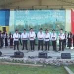 Vremea frumoasă de la sfârșitul săptămânii a adunat un număr foarte mare de participanți la Serbarea narciselor de la Negrileasa