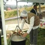 În Apuseni: Proprietarii de pensiuni vor să revigoreze turismul cu balmoşul moţesc