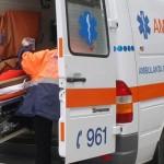 Un tânăr a fost transportat la spital după ce s-a răsturnat cu mașina pe pe DN 75