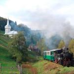 Din 19 iulie, în Munţii Apuseni, mocăniţa turistică circulă pe ruta Abrud – Gura Roşiei – Câmpeni