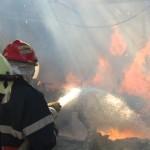Intervenție a pompierilor din Câmpeni pentru stingerea unui incendiu izbucnit la un adăpost de animale din comuna Bistra