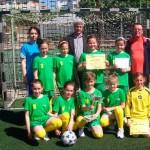 Fetele din ciclul primar de la Şcoala Gimnazială Câmpeni – campioane naţionale la fotbal