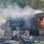 Victima incendiului de la Bucium a fost găsită la mansarda imobilului, prinsă sub elemente de construcție prăbușite