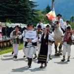 Târgul de Fete de pe Muntele Găina 2014 – un semnal de alarmă pentru păstrarea tradiţiilor strămoşeşti!