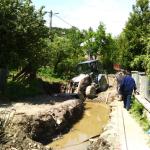 În Câmpeni, a început construcţia unui pod peste pârâul Brătineasa