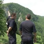 Grup de excursionişti rătăciți din cauza vremii extreme, salvaţi de jandarmii montani din Arieșeni
