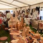 Aproape 50 de meşteri populari din 11 judeţe își expun produsele în cadrul Târgului Național de Turism Rural de la Albac