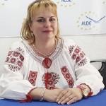 Bătălie liberalo-liberală pentru fotoliul de primar, candidata ALDE la Primăria Câmpeni, Maria Oprea, renunţă la confortul propriu pentru a fi alături de comunitate, a o ajuta!