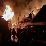 """Pensiunea """"La Vasile"""" din stațiunea montană Arieșeni făcută scrum în urma unui incendiu"""