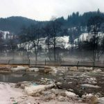 Inundații și aglomerări masive de gheață pe cursul Arieșului, în comuna Bistra