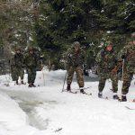 Tabără de pregătire montană a cercetaşilor militari la Vîrtop