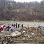 """Ecologizare a malurilor râului Arieş  – Ziua Internaţională a Apei, sărbătorită la Şcoala Gimnazială """"Nicodim Ganea"""" Bistra"""