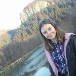 Amina Elena Lazăr, o elevă de 14 ani din Lupșa, a dat joaca pe teme și visurile de prințesă pe unul singur, cel de a se realiza