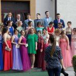 """Cei 150 de foști elevi ai Colegiului Național """"Avram Iancu"""" din Câmpeni au participat la tradiționala paradă și la """"Balul absolvenților"""""""