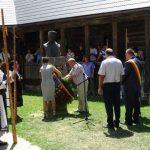 """Moment evocator dedicat """"Crăișorului Munților"""" și spectacol folcloric în centrul comunei Avram Iancu, cu prilejul Târgului de Fete de pe Muntele Găina"""