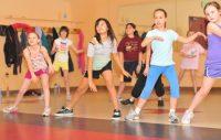 Copiii din comuna Bistra beneficiază gratuit de programe sportive şi culturale. Acest lucru a fost posibil la iniţiativa administraţiei publice locale, în special a primarului Traian Gligor