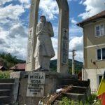 Monument închinat tânărului soldat Mircea Roșca, decedat în Revoluţia din 1989, în comuna Poșaga